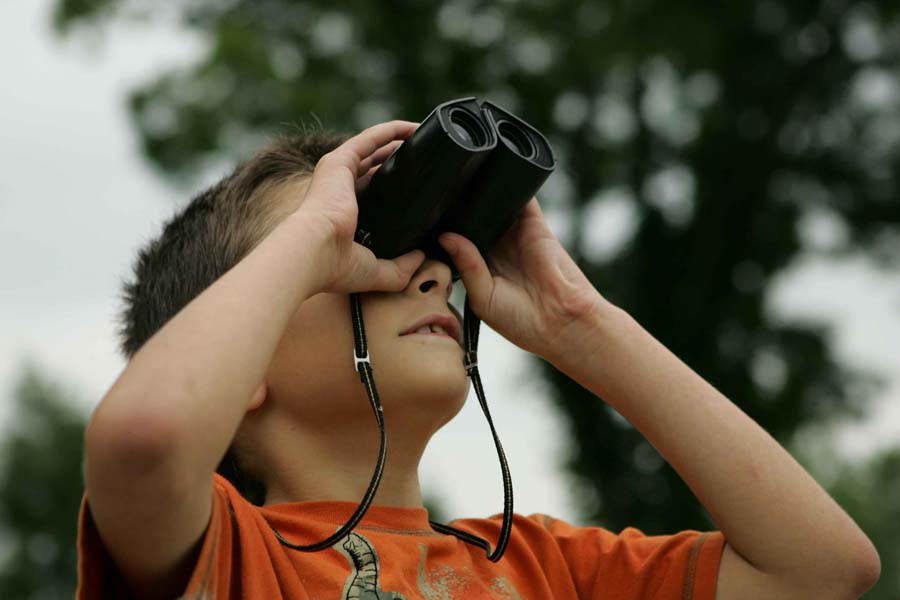 Binocular Scopes Bringing the Far away Objects and Being Closer